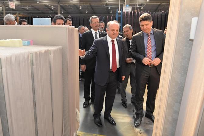 Mersin Valisi Özdemir Çakacak, Trakya Cam Fabrikası'nı ziyaret etti galerisi resim 3
