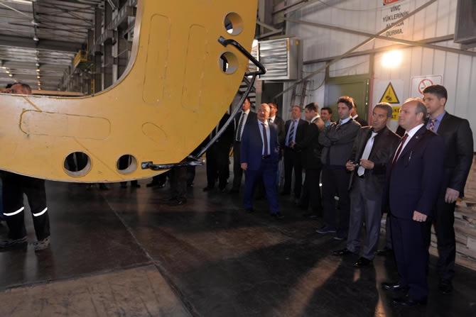 Mersin Valisi Özdemir Çakacak, Trakya Cam Fabrikası'nı ziyaret etti galerisi resim 7