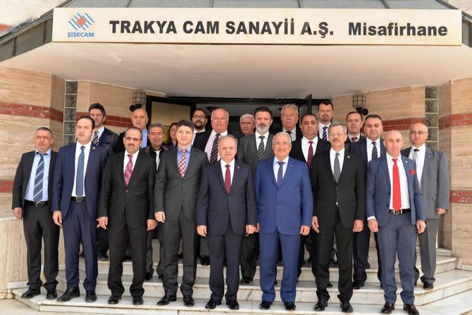 Mersin Valisi Özdemir Çakacak, Trakya Cam Fabrikası'nı ziyaret etti galerisi resim 9