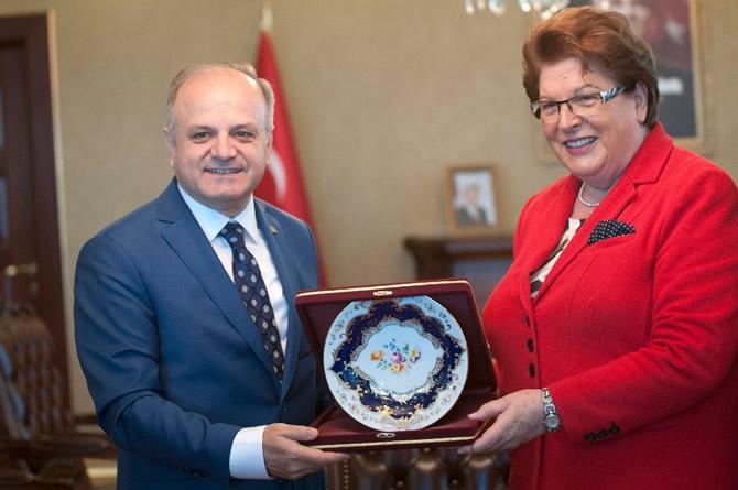 Bavyera Meclis Başkanı Stamm Vali Çakacak'ı ziyaret etti galerisi resim 2