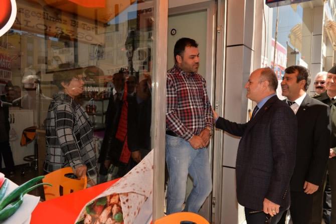 Mut Halkı ve Esnafı Mersin Valisi Özdemir Çakacak'ı bağrına bastı galerisi resim 21
