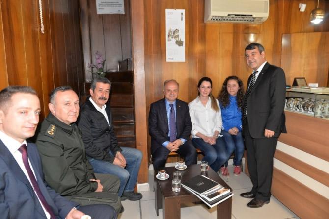 Mut Halkı ve Esnafı Mersin Valisi Özdemir Çakacak'ı bağrına bastı galerisi resim 4