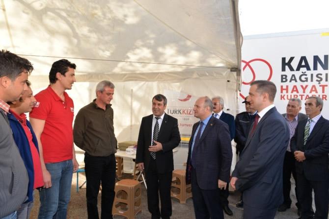 Mut Halkı ve Esnafı Mersin Valisi Özdemir Çakacak'ı bağrına bastı galerisi resim 6
