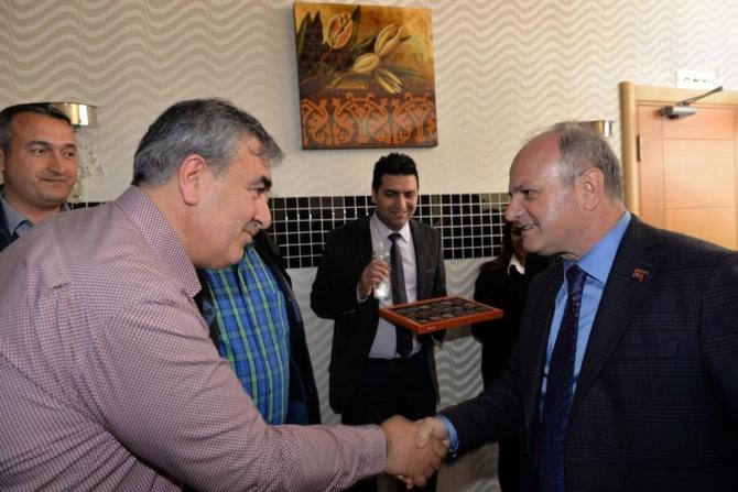 Mut Halkı ve Esnafı Mersin Valisi Özdemir Çakacak'ı bağrına bastı galerisi resim 8