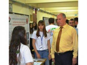 Sosyal Bilimler Lisesi'nde TÜBİTAK Bilim Fuarı açıldı