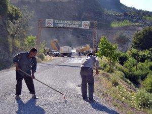 Mersin Büyükşehir Belediyesi'nden yol ve asfalt atağı