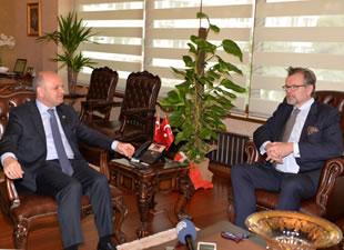İsveç İstanbul Başkonsolosu Jens Odlander,Vali Çakacak'ı ziyaret etti