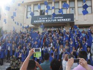 Anamur Meslek Yüksekokulu'nda mezuniyet heyecanı yaşandı