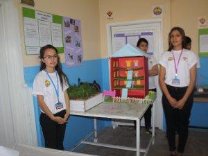 Cumhuriyet Anadolu Lisesi'nde 4006 TÜBİTAK Bilim Fuarı açıldı