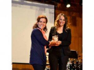 MEÜ'lü Öğrenci Arzu Görgülü'ye 'En İyi Yönetmen' Ödülü