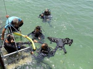 Mersin Büyükşehir Belediyesi havuzda başlayan projeyi denize taşıdı