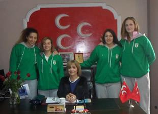 MHP Mersin İl Kadın Kolları Başkanı Semra Tekeli: Geleceğimizin teminatı gençlerimizdir