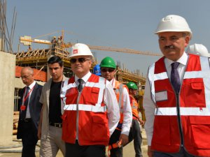 Sağlık Bakanı Mehmet Müezzinoğlu, Mersin'i ziyaret etti