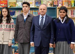 Vali Çakacak, Kütüphane Haftası nedeniyle bir mesaj yayınladı