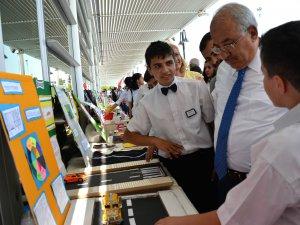 Başkan Kocamaz, sanat ve teknoloji sergisini gezdi