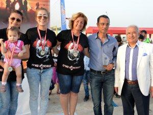 Plaj Hentbolu ve Plaj Futbolu şampiyonlarına ödülleri verildi