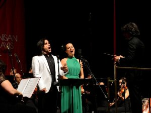 Kucerova ve Bezdüz'den muhteşem konser