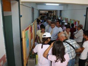 Rüştü Kazım Yücelen İlköğretim Okulu'nda 4006 TÜBİTAK Bilim Fuarı açıldı