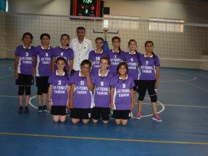 Anamur'da Okullar Arası Voleybol Turnuvası'na yoğun ilgi