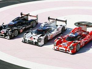 Porsche Le Mans kostümlerini gösterdi