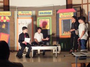 """Anamur Ortaokulu öğrencileri, """"Türkçe'm Eyvah!"""" adlı tiyatro oyununu sahnelediler"""
