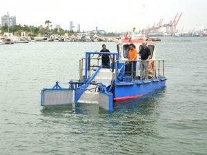 Daha temiz deniz için deniz süpürgesi hizmete başladı