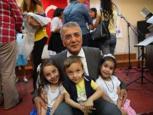 Mezitli Belediyesi Çocuk Korosu'ndan yıl sonu konseri