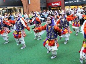 Forum Mersin'de halk oyunları rüzgarı