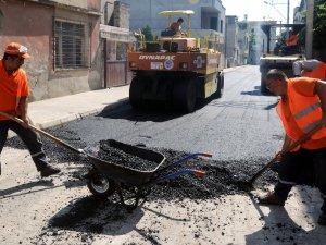 Akdeniz'de günlük bin ton asfalt kaplama