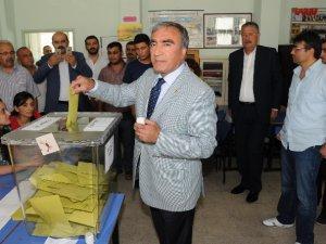 "MHP'li Öztürk: ""Bütün Mersin'in milletvekili olacağız"""