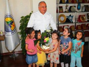 Minik öğrenciler, Başkan Tollu'yu ziyaret etti