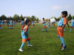 Futbol Akademisi açıldı