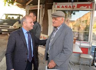 Mut Halkı ve Esnafı Mersin Valisi Özdemir Çakacak'ı bağrına bastı