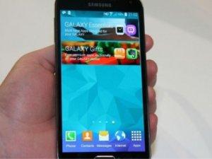Samsung Galaxy S5 Neo Çek Cumhuriyeti'nde satışa sunuldu!