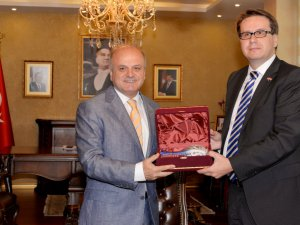 Çek Büyükelçi Kafka, Vali Çakacak'ı ziyaret etti