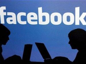 Facebook kimin izinden gidiyor?