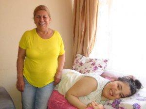 İstanbul'da tedavi gören Kübra Arıcı evine döndü