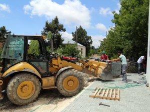 Erdemli'de camilerin çevre düzenlemesi yapılıyor