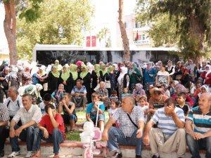 Silifke'de 43 kişi dualarla Umreye uğurlandı