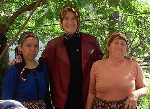 Ak Parti Anamur Kadın Kolları, Umre'den dönen kadınları ziyaret etti