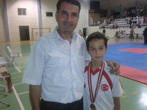 Anamurlu genç sporcu Hasan Akı, Taekwondo Şampiyonası'nda Mersin Birincisi oldu