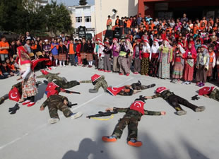 Şükrü Köymen İlkokulu'nda Çanakkale Zaferi'nin 100. yıl dönümü kutlandı