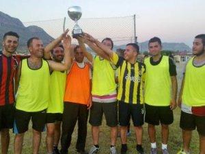 Bozyazı'da Geleneksel Bayram Futbol Turnuvası'nda kupa Ötükenspor'un oldu
