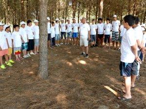 Gençlik Doğa Kampı'na katılan gençler, eğlenceli vakitler geçiriyor
