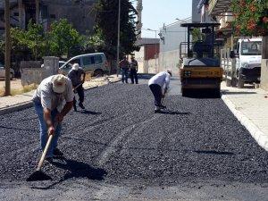 Akdeniz Belediyesi'nin asfalt çalışmaları sürüyor