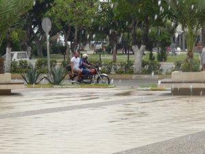 Mersin'de yaz yağmuru serinletti