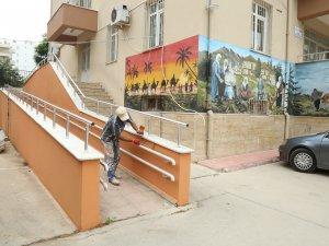 Mezitli'de okullar eğitime hazırlanıyor