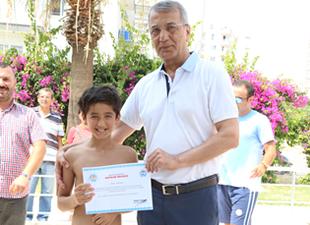 Mezitli'de yüzme heyecanı yaşandı