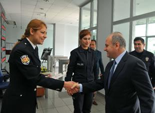 Vali Çakacak, 10 Nisan Polis Bayramı'nı kutladı