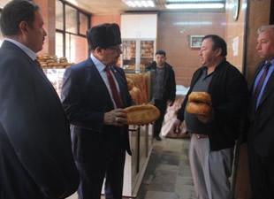Gülnar Belediye Başkanı Ahmet Günel, esnafları ziyaret etti